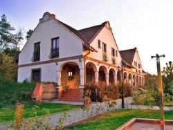 Erdőspuszta Club Hotel - Hosťovský dom ARBO