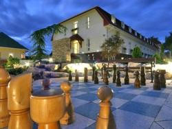 Hotel Kiss Tata