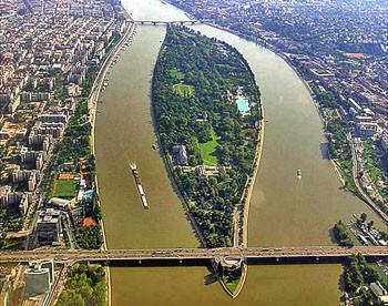 Ostrov Margitsziget na Dunaji  - Budapest