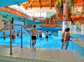 Vnitřní Zážitkový svět - bazén s vlnobitím