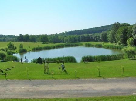 vodní nádrž a park - Zalacsány