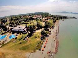 Balatonlelle  - voľne prístupná pláž Balatonlelle
