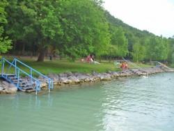 Tihany – Pláž Sajkodi (Sajkodi strand) Tihany