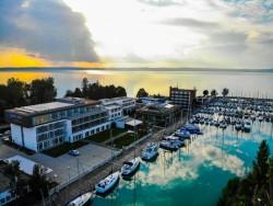Leto v Hoteli Yacht, Siófok